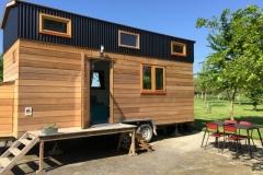La Tiny House, petite maison écologique en bois sur roues
